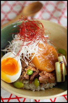 Japanese Rice Bowl (Pork and Daikon Radish Soy Sauce Stew, with Soft-Boiled Egg)|味しみ大根と豚肉のとろ~り煮(レシピ)