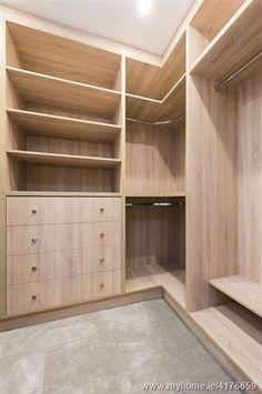 Wardrobe Interior Design, Wardrobe Door Designs, Wardrobe Design Bedroom, Master Bedroom Closet, Bedroom Bed Design, Bedroom Furniture Design, Closet Designs, Corner Wardrobe, Wardrobe Room