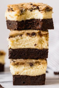 These Brownie Bottom Cookie Dough Cheesecake Bars take indulgence to a whole . Homemade Desserts, Köstliche Desserts, Delicious Desserts, Dessert Recipes, Drink Recipes, Cookie Dough Cheesecake, Cheesecake Bars, Cheesecake Recipes, Blueberry Cheesecake