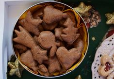 Zdravé perníčky - Food by Kate Cookies, Desserts, Food, Crack Crackers, Tailgate Desserts, Deserts, Biscuits, Essen, Postres