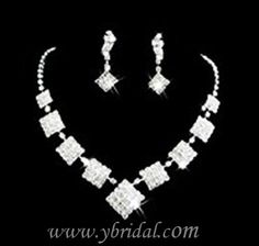 CLICK IMAGE TWICE FOR INFO:) Gorgeous Alloy with Clear Crystal Wedding Bridal Jewelry Set