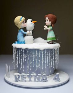 Want to Build a Snowman Frozen Cake with Elsa, Anna, and Olof by Rouvelee's Creations Super cute! Torte Frozen, Frozen Theme Cake, Frozen Birthday Cake, Birthday Cake Girls, Birthday Parties, Tarta Frozen Disney, Disney Frozen Party, Disney Cakes, Frozen Movie