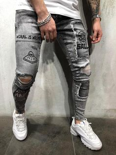 Mens Street Style Ripped And Repaired Jeans Printed 4382 - Christmas Deesserts Casual Street Style, Men's Street Style Jeans, Ripped Jeans Style, Style Casual, Streetwear Jeans, Style Streetwear, Swag Style, Men's Style, Men Street
