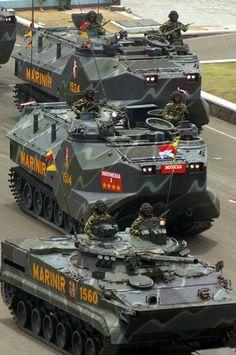 LVT 7 and BMP-3F Marine Corps