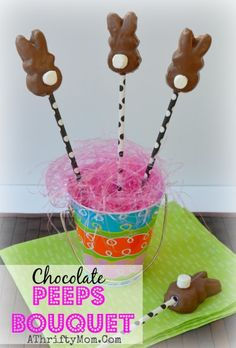 Peeps bouquet for Easter, Quick easy treat or gift idea that is SUPER cute.  How to make chocolate peeps #Peeps, #Easter, #Dessert