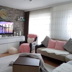 Pink & gray cozy living room
