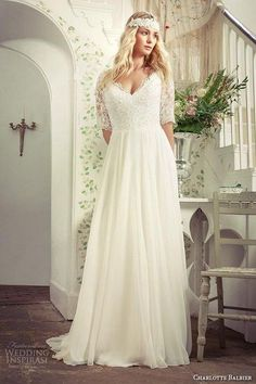 Plus Size Beach Wedding Dresses with Sleeves V Neck Sweep Train Ivory Chiffon Lace Bridal Gowns