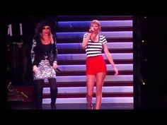▶ You're So Vain - Taylor Swift & Carly Simon - Gillette Stadium - YouTube
