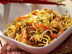 Avec les lectrices reporter de Femme Actuelle, découvrez les recettes de cuisine des internautes : Nouilles aux crevettes et champignons noirs
