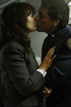 DragonCon 2014 BSG mini photoshoot pose 3: the kiss from Resurrection Ship II *swoon*