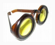 Gafas hechas con botellas #design #cerveza