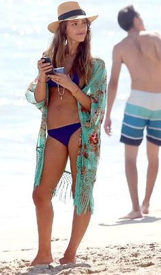 Nice beach outfit ^^