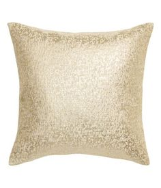 Gold-colored. Cushion cover in jacquard-weave fabric with glittery threads. Concealed zip.