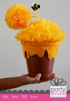 center piece winnie pooh.  http://www.facebook.com/partystudio.merida