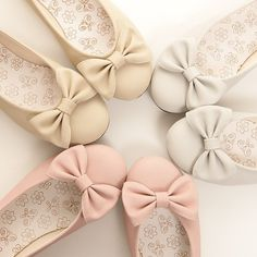 shoes flats with bows bows pink flats girly ballet flats♡ so cute♡ Cute Flats, Bow Flats, Cute Shoes, Me Too Shoes, Pink Flats, Pretty Shoes, Beautiful Shoes, Awesome Shoes, Pink Heels
