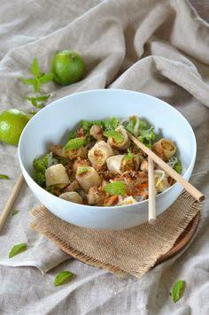 Empanadas au thon et chorizo - Recette - Tangerine Zest Bo Bun Poulet, Asian Recipes, Healthy Recipes, Ethnic Recipes, Healthy Food, A Food, Food And Drink, Vietnamese Cuisine, Vietnamese Recipes