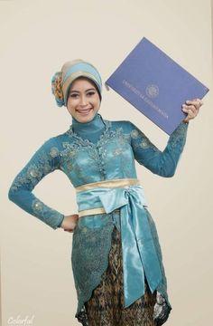 kebaya wisuda hijab Kebaya Modern Hijab, Model Kebaya Modern, Kebaya Hijab, Kebaya Brokat, Kebaya Muslim, Indonesian Kebaya, Hijab Fashion, Party Dress, Womens Fashion