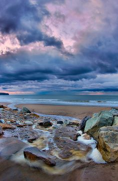 Whitby Beach beautiful place I long to be back sat on that beach eating fish & chips :))