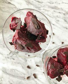 frozen yoghurt med blåbær og vaniljesmak Frozen Yoghurt, Frisk, Gluten, Sugar, Snacks, Pure Products, Meat, Recipes, Inspiration