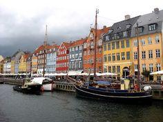Kopenhagen ist immer einen Städtetrip wert! Erfahrt hier, wie man die Stadt an einem Tag schaffen kann ohne wichtige Sehenswürdigkeiten zu verpassen.