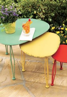 Fun outdoor nesting tables!