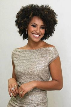 Sheron Menezes Short Curly Hair, Curly Hair Styles, Natural Hair Styles, Permed Hairstyles, Black Girls Hairstyles, Gorgeous Hair, Beautiful, Natural Hair Transitioning, Pelo Afro