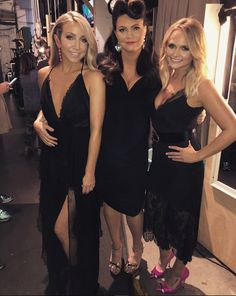 Girls with black dresses Country Music Artists, Country Music Stars, Country Singers, Country Women, Country Girls, Miranda Lambert Photos, Pistol Annies, Cher Bono, Nicole Kidman
