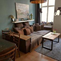 Riesige Sofalandschaft In Schönem Schoko Braun Sorgt Für Gemütliche  Atmosphäre Im Wohnzimmer. #einrichtung