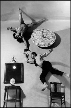Philippe Halsman (Américain né letton, 1906-1979), ′′ Rêve d'un poète ′′ de l'artiste français Jean Cocteau, New York City, États-Unis, 1949 Man Ray, Salvador Dali, Hannah Höch, Sophie Taeuber Arp, Philippe Halsman, La Rive, Jean Cocteau, Image Of The Day, Ansel Adams