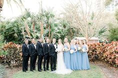 Wedding Party Photo Inspiration // A Classic St. Petersburg Wedding with 1920s Style via TheELD.com