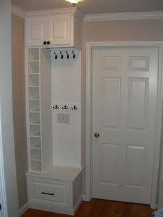 Mud room or entryway ideas for storage. Perfect for small spaces or tiny entryways. Great way to maximize storage - hang coats, purses, keys, dog leash, and tuck the kids shoes in those cubbies! Diy Casa, Cubbies, Built Ins, Tall Cabinet Storage, Entryway Storage, Entryway Ideas, Kids Storage, Storage Design, Coat Storage Small Space