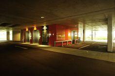 Garage / Lift #architecture #garage Architekt: DI Bernd Ludin, Foto: Gerda Eichholzer