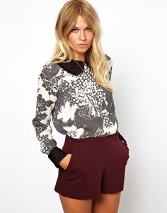 Fall fashion trends: black & white blouse, oxblood pants