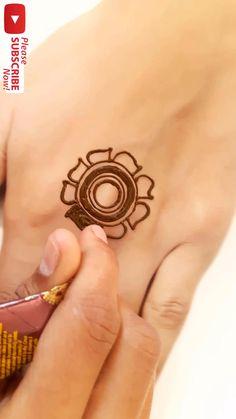 Short Mehndi Design, Very Simple Mehndi Designs, Henna Designs For Kids, Cute Henna Designs, Modern Henna Designs, Floral Henna Designs, Mehndi Designs For Beginners, Mehndi Designs For Fingers, Beautiful Henna Designs