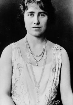 misshonoriaglossop:  Lady Elizabeth Bowes-Lyon, later Duchess of York, Queen Consort, Queen Mother