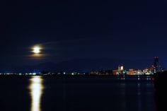 青森市沖館から東のそらの月