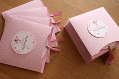 Tout en rose - Une Pointe d'épices Christening Invitations Girl, Baby Invitations, Shower Invitations, Invitation Cards, Baby Cards, Baby Boy Shower, Wedding Cards, Birthday Cards, Card Making