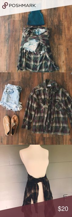 Soft Flowey Flannel Perfect to wrap around your high waisted shorts to pair with a crop top  Madison Avenue Tops Button Down Shirts