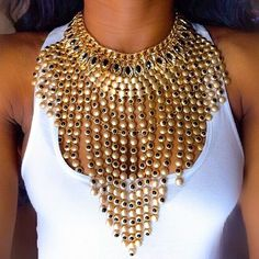 *GASP* I JUST DIED!! THIS NECKLACE IS EVERYTHING!!!