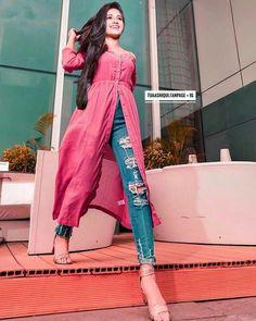 Moda Noche Casual Date Nights Sparkle Ideas Stylish Dresses, Simple Dresses, Casual Dresses, Stylish Suit, Casual Suit, Stylish Clothes, Casual Indian Fashion, Indian Fashion Dresses, Chic Outfits