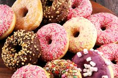 Cut One Thing From Your Diet, and See a Difference! Types Of Donuts, Donut Batter, Bacon Donut, Sprinkle Donut, Smart Nutrition, Fiber Rich Foods, Processed Sugar, Donut Glaze, Sugar Cravings