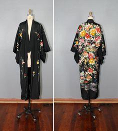 1920s kimono / embroidered floral kimono / silk robe / LA BOHEME kimono