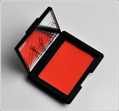 Picked up NARS Exhibit A blush a few days ago. So perfect for a touch of summer sun. Just don't use a heavy hand!