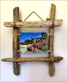 The perfect DIY decoration - driftwood ideasmake your own wall decor driftwood ideasDriftwood photo frame from Workshop: wall decoration .Driftwood photo frame from Workshop: wall decoration . from photograph driftwood from Tree Of Life Shop, Ocean Home Decor, Photo Frame Design, Photo Frame Ideas, Rustic Picture Frames, Driftwood Mirror, Unusual Facts, Strange Facts, Driftwood Projects