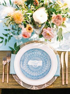 La Tavola Fine Linen Rental: Tuscany Ice Table Runner and Napkins | Photography: Olivia Richards Photography, Event Design & Planning: Brannan Events & Design, Florals: Tumbleweed Floral Truck, Venue & Catering: Calistoga Ranch, Rentals: Encore Event Rentals