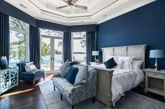 50+ Blue Bedroom Ideas for Women_53