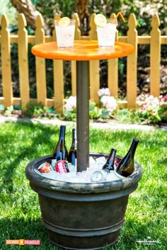 Make the most out of outdoor parties with Kenneth Wingard's DIY entertainment table! Make the most out of outdoor parties with Kenneth Wingard's DIY entertainment table! Patio Diy, Diy Outdoor Bar, Outdoor Parties, Outdoor Entertaining, Outdoor Living, Rustic Outdoor, Diy Patio Tables, Outdoor Ideas, Outdoor Spaces
