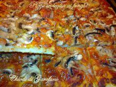 Pizza in teglia ai funghi http://blog.giallozafferano.it/chiodidigarofano/pizza-in-teglia-funghi