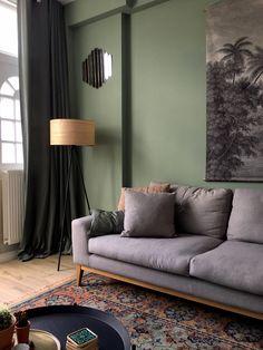 binnenkijken bij interiorinprogress Living Room Green, Living Room Paint, Home Living Room, Living Room Designs, Living Room Decor, Green Home Decor, Indian Home Decor, Blue Bedroom Decor, House Design
