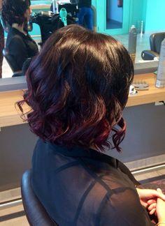 Short haircut- ombré dark cherry - curly hair bob